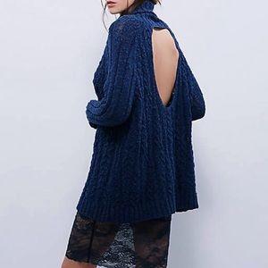 Free people open back sweater XS